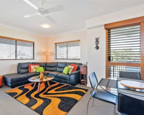 1-2-bedroom-mooloolaba-accommodation-305-11