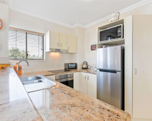 1-2-bedroom-mooloolaba-accommodation-305-9