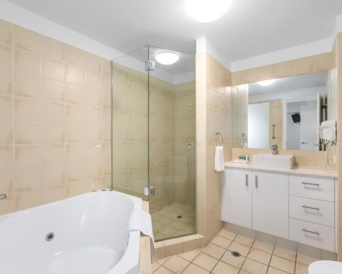 1-2-bedroom-mooloolaba-accommodation1