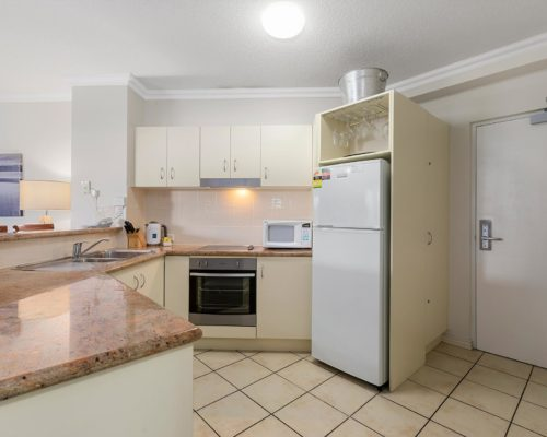 2-bedroom-ground-floor-mooloolaba-accommodation-102-2