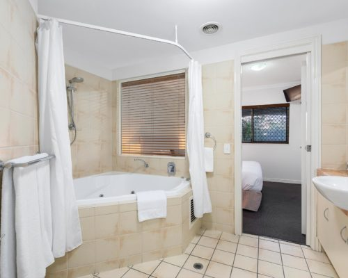 2-bedroom-ground-floor-mooloolaba-accommodation-102-5
