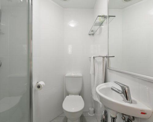 2-bedroom-ground-floor-mooloolaba-accommodation-104-4