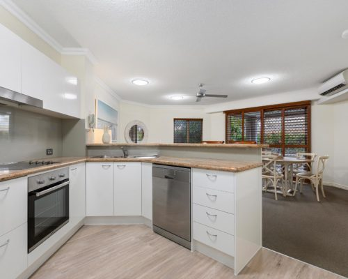 2-bedroom-ground-floor-mooloolaba-accommodation-104-9