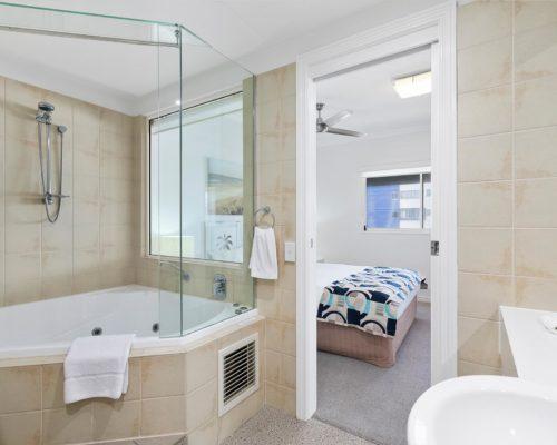2-bedroom-rooftop-mooloolaba-accommodation-502-12