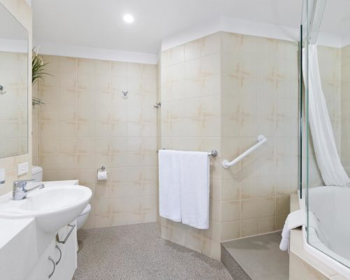2-bedroom-rooftop-mooloolaba-accommodation-502-13