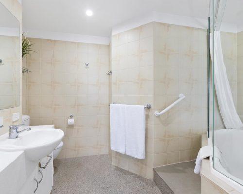 2-bedroom-rooftop-mooloolaba-accommodation-502-13