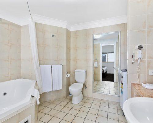 2-bedroom-rooftop-mooloolaba-accommodation-604-11