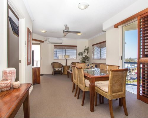 raffles-mooloolaba-accommodation-505-8